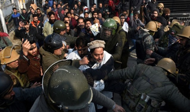 Kashmir: Ban on Yasin Malik-led JKLF, MHA issues notification