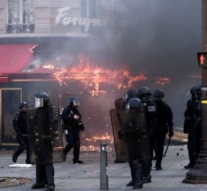 Yellow vests Paris police chief sacked