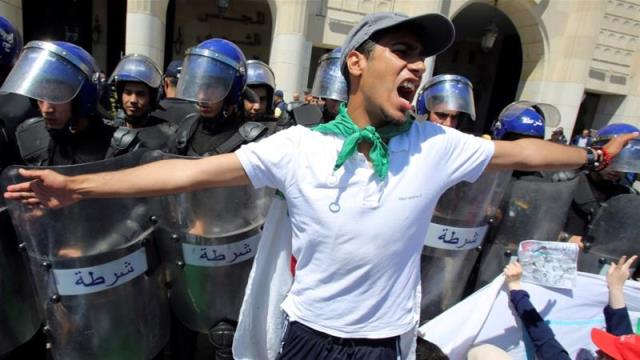 Mass protests against Algeria's rulers resume