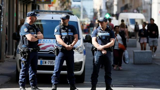 A suspect has been arrested in connection with bomb attack in Lyon last week – interior minister