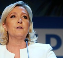 Marine Le Pen 'to stand trial for tweeting violent images of terrorism'