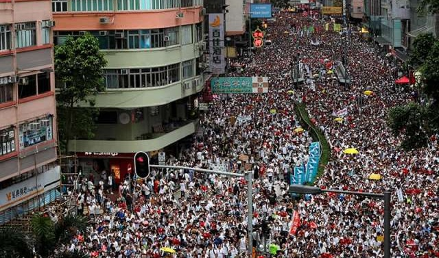 'Million march': Huge Hong Kong protest against China extradition law