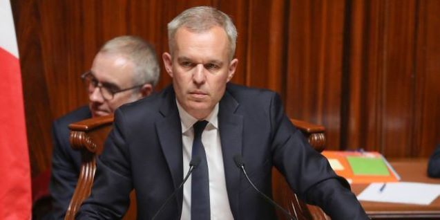 France: Minister in row over taxpayer-funded dinners with lobsters, $500 wine quits