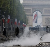 'Yellow Vests' clash with police in Paris after Bastille Day parade