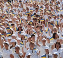 Thousands attend unofficial Independence Day march in Ukraine