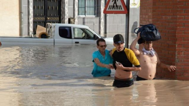 Floods in Spain kill at least five people
