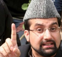 Hurriyat leader Mirwaiz signs 'bond' to secure release, claims Indian media