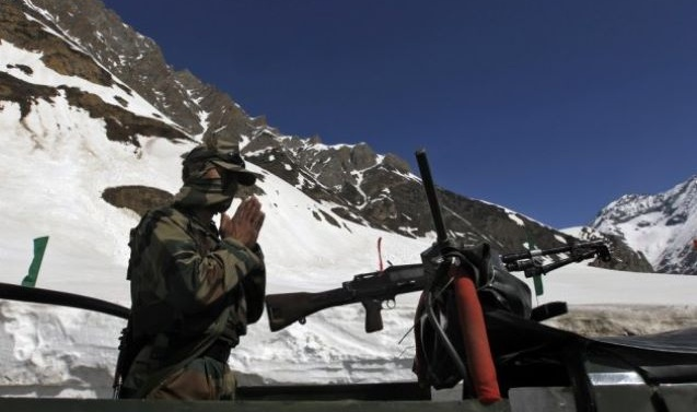 INDIA'S MOVES IN KASHMIR RAISE TENSION IN PART NEXT TO CHINA