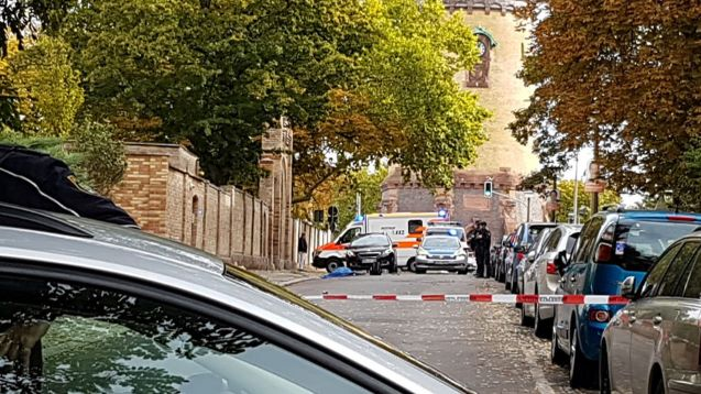 One person detained after shooting outside German synagogue left 2 people dead