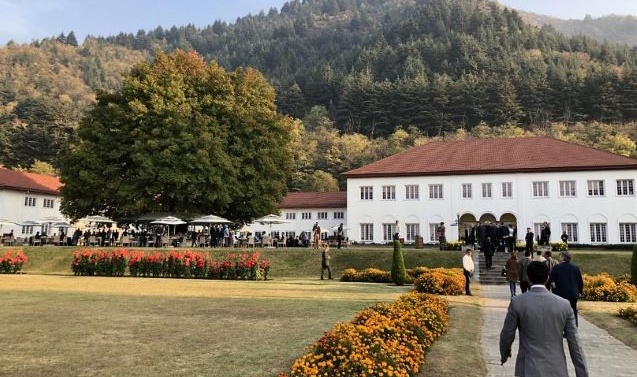 EU Parliamentarians go to garden party in Kashmir. What's really on the menu?