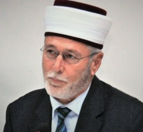 Elected Muslim religious leader gets prison in Greece