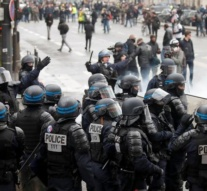 Paris police use tear gas, water cannon on 'yellow vest' protests anniversary