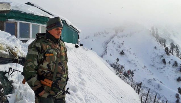 Indian soldier lands in Pakistan after 'slipping' in Kashmir snow: Gulf paper