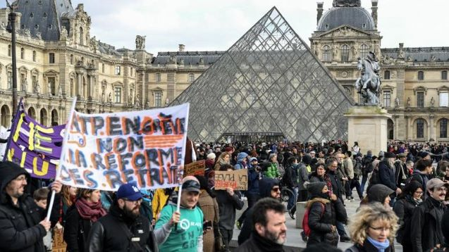 Emmanuel Macron's pension reform plan introduced to parliament amid protests