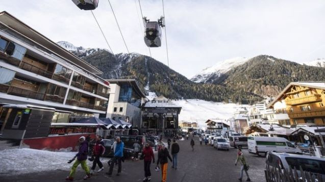 Coronavirus: Austria investigates Ischgl ski resort business for 'hiding case'