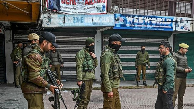 Young Kashmiris want Indian forces to leave: Survey