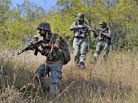 Gunbattle Rages For 5th Day in North Kashmir, 5 Soldiers Among 10 Killed