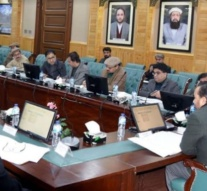 Political uncertainty engulfs G-B as cabinet members tender resignation