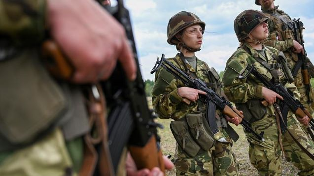 Youngsters turn to the army for stable in Coronavirus-hit Hungary